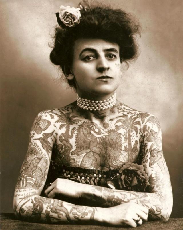 first-female-tattoo-artist