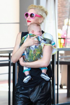 Gwen Stefani joins the family for birthday fun at Dave & Buster's