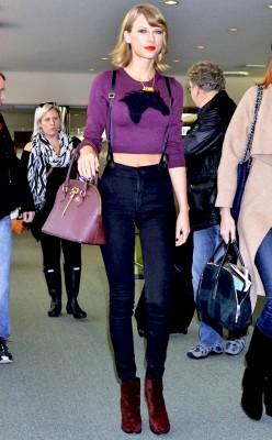 taylor swift. cute in suspenders