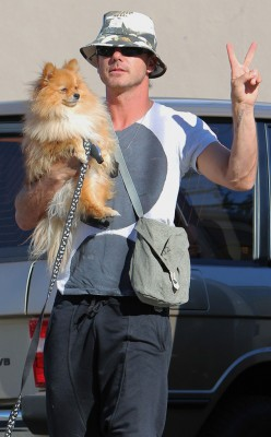 any man that's comfy with a girly dog is alright with me.  mr. rossdale.