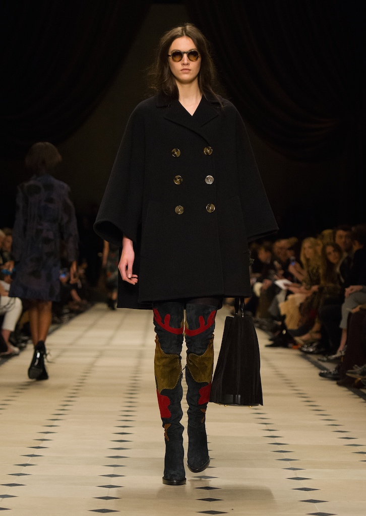 Burberry-Womenswear-Autumn_Winter-2015-Collection-Look-20