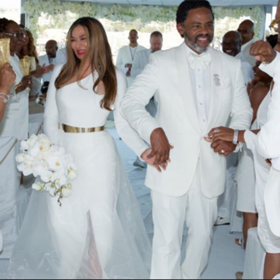 chicarazzi mama knowles jumps the broom tina knowles
