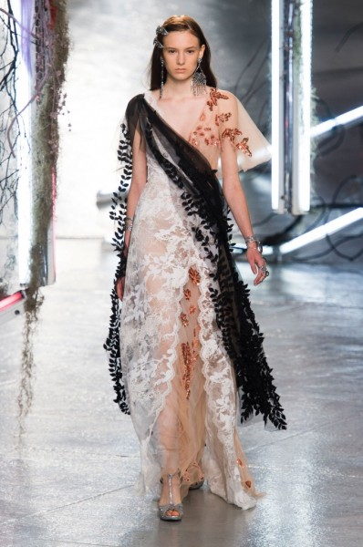 RODARTE-spring-2016-fashion-show-the-impression-34-680x1024