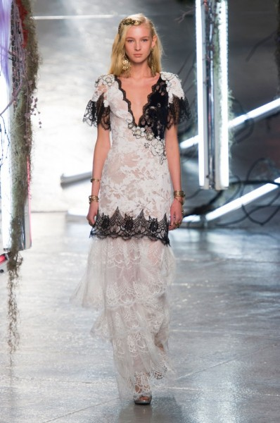 RODARTE-spring-2016-fashion-show-the-impression-36-680x1024