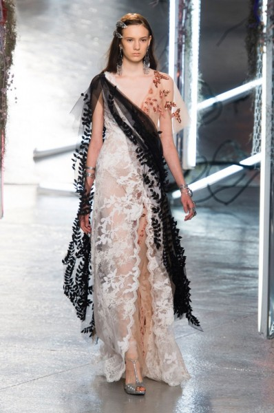 RODARTE-spring-2016-fashion-show-the-impression-37-680x1024