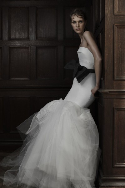 Vera-Wang-Spring-2016-strapless-mermaid-wedding-dress-with-black-organza-bow-belt