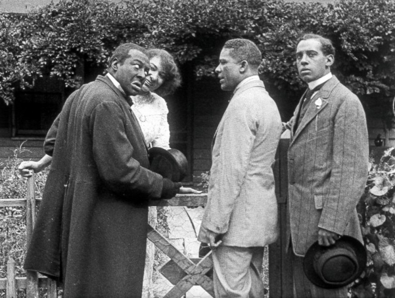 bert-williams-lime-kiln-club-field-day-1913-003-odessa-warren-grey-with-three-suitors
