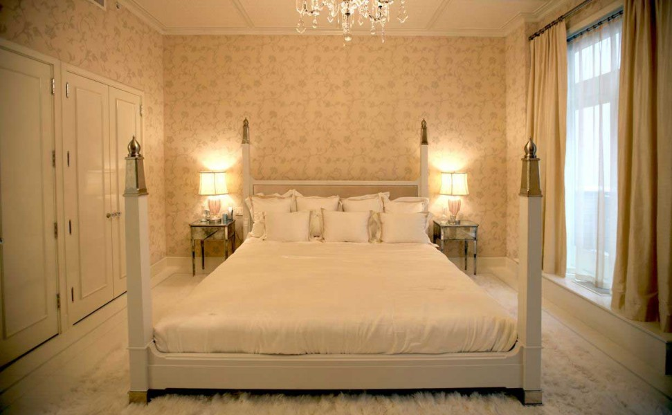 gwyneth-paltrow-manhattan-loft-bedroom-design-by-roman-and-williams