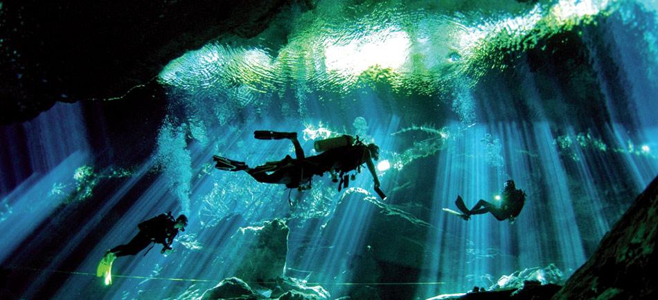 photoEscudo_Adventure_Parks_Ac_cenotedosojos